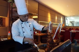 Hotel Aston Makassar mengeluarkan promo All You Can Eat Brazilian Barbeque.