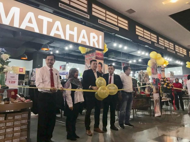 Matahari Department Store (MDS) telah membuka gerai barunya di Phinisi Point Mall Makassar, 1 April 2019.