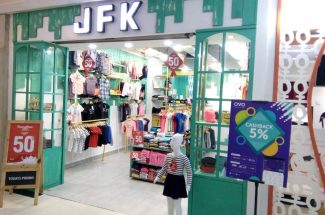JFK Mal Ratu Indah menggelar promo discount up to 50 persen.