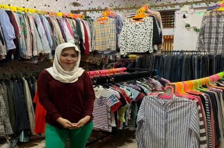 Owner Fara Shop, Faradilla.